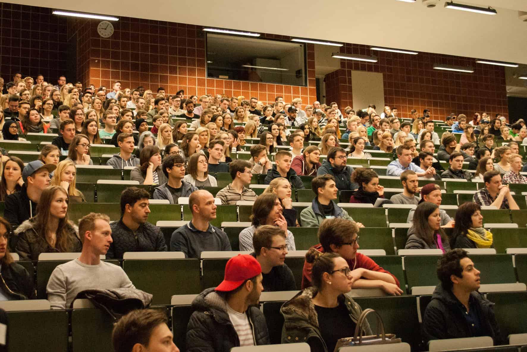 700 Studenten starten Bachelorstudium an der OTH Regensburg