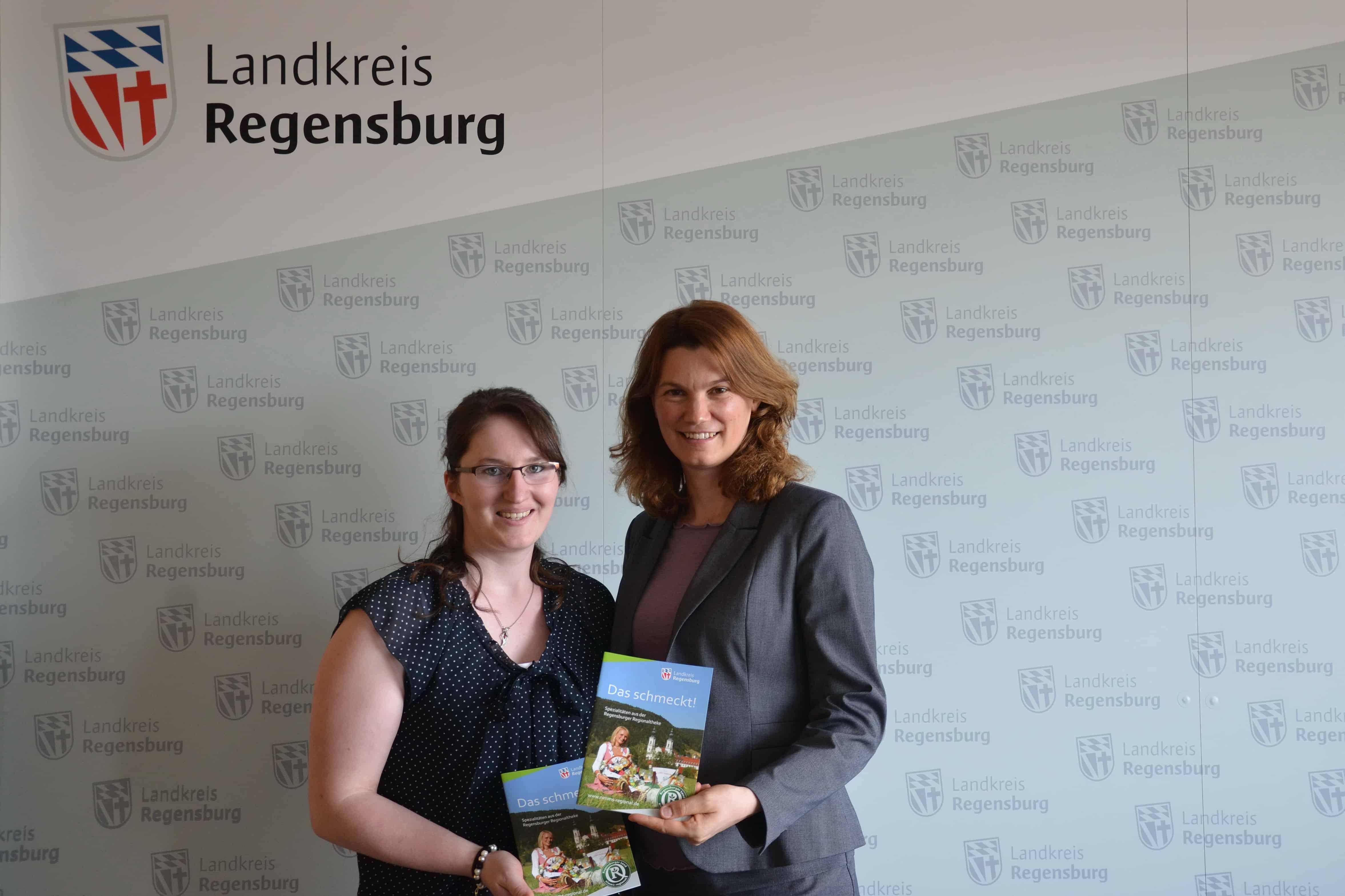 Landrätin Tanja Schweiger heißt neue Projektleiterin willkommen