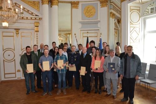 18 Lebensretter in der Regierung der Oberpfalz geehrt