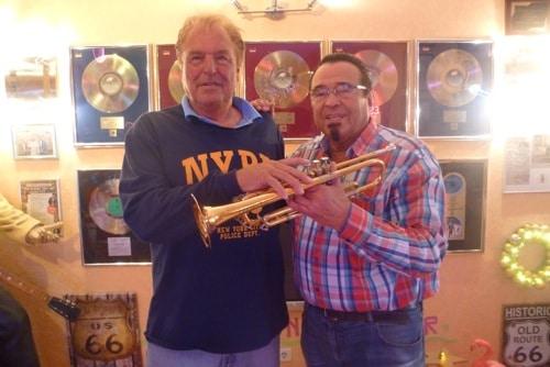 Erfolgsproduzent Günther Behrle arbeit mit Trompeterlegende Walter Scholz zusammen
