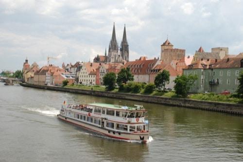 Auf der Donau mit der Personenschifffahrt Klinger