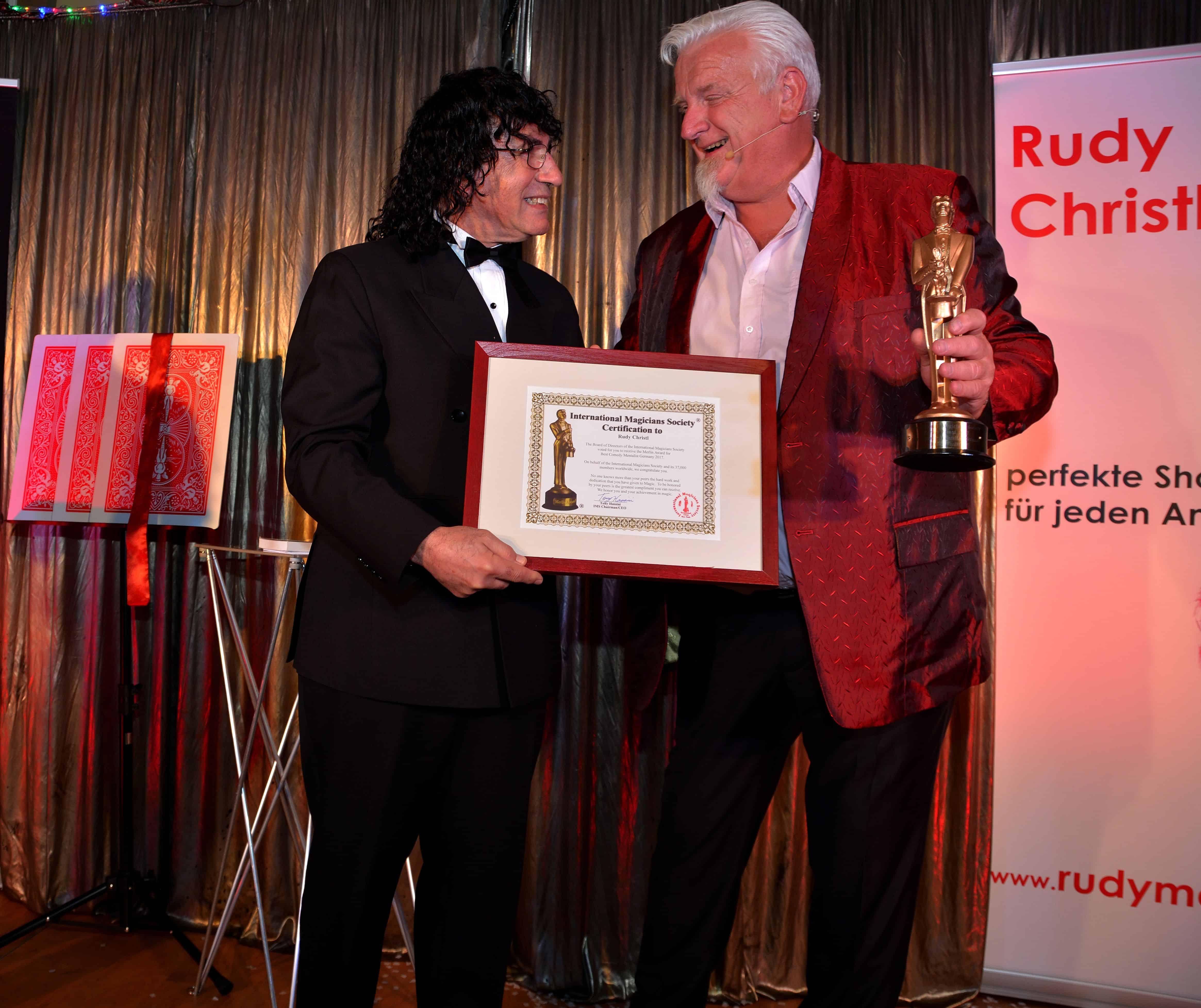Regensburger Magier erhält Oscar der Zauberkunst