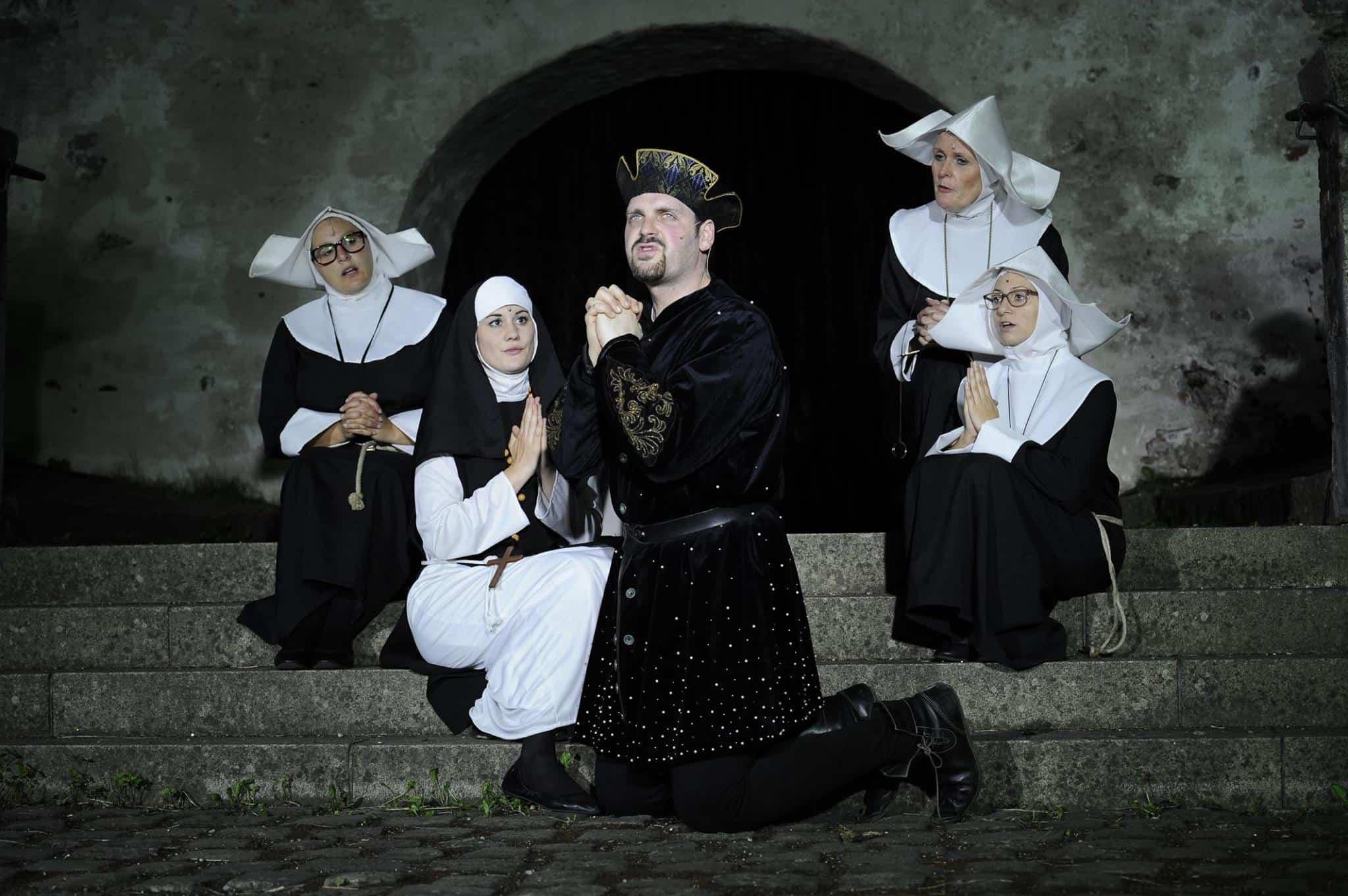 Der Bayerische Jedermann feiert morgen in Straubing Premiere