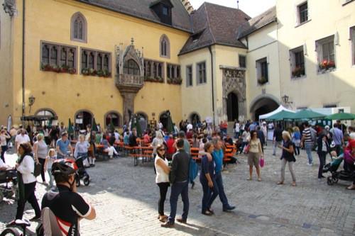 Regensburg: Lange Nacht der Tourist Information am Rathausplatz