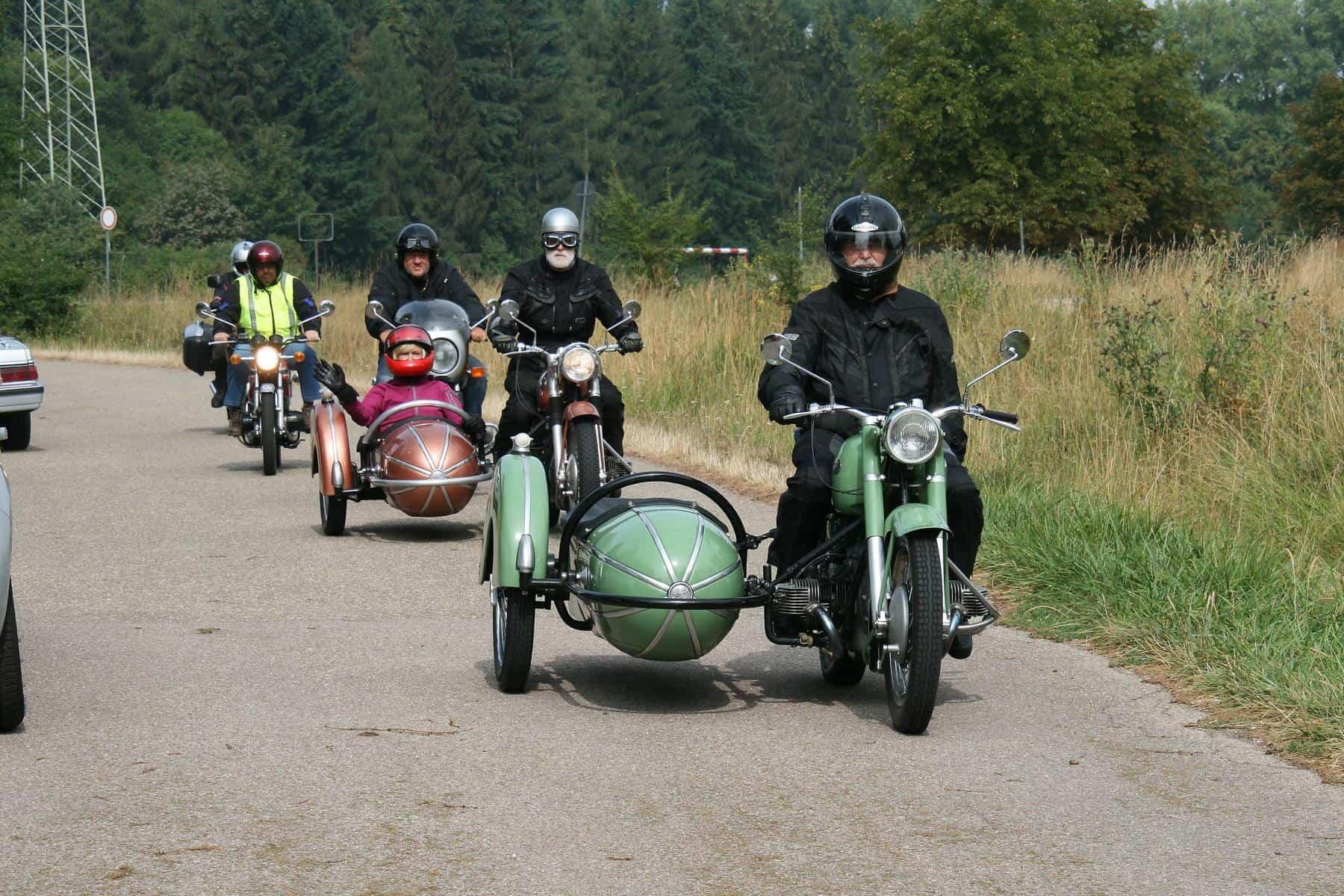 Oldtimer-Motorradfahrt am 15. August am Domplatz