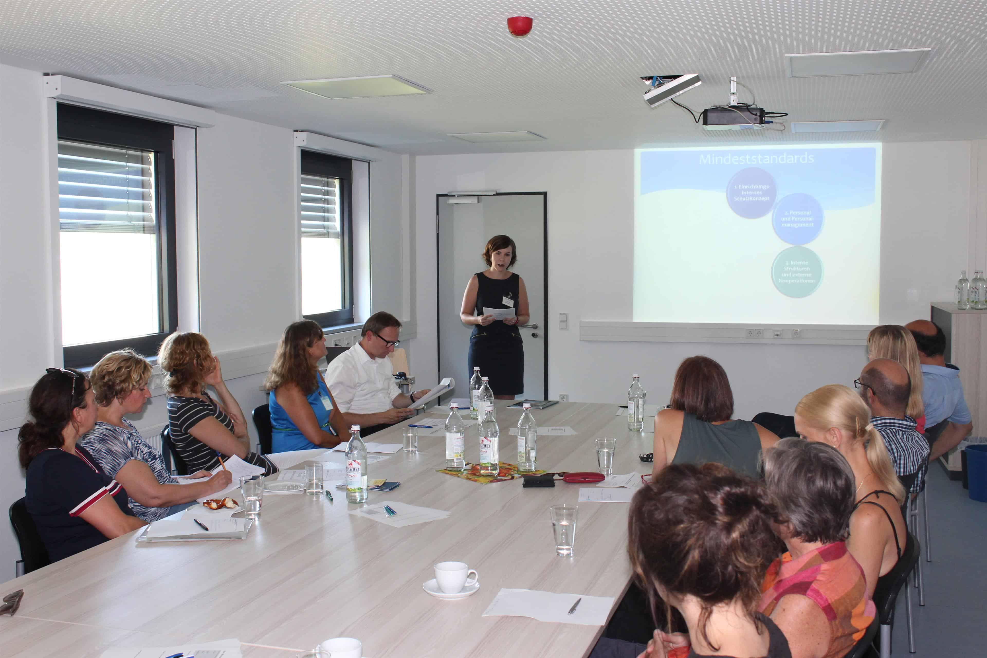Regierung der Oberpfalz erstellt Schutzkonzept für besonders schutzbedürftige Flüchtlinge