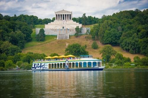Mit der Regensburger Personenschifffahrt Klinger die Donau bereisen