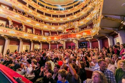 Theater Regensburg feiert am Sonntag großes Theaterfest