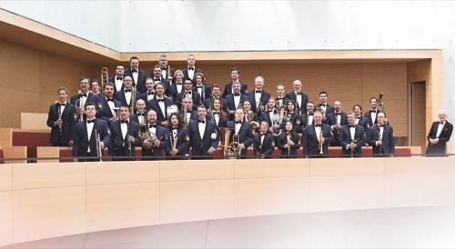 Das Polizeiorchester Bayern spielt für das Johannes-Hospiz in Pentling