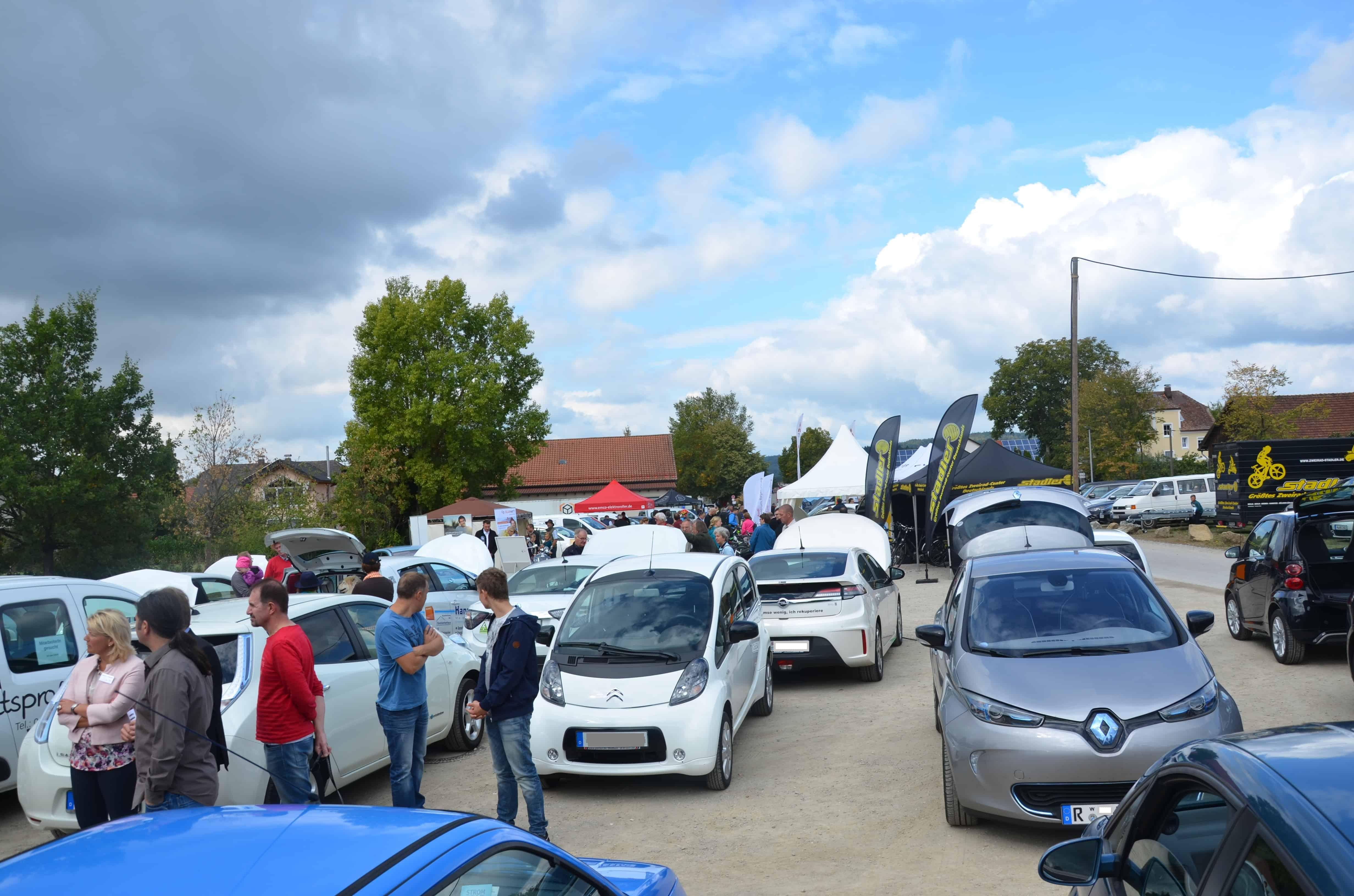 """""""E-Messe Wiesent"""" am 17. September – alles rund um Elektromobilität, PV-Anlagen und Stromspeicher"""