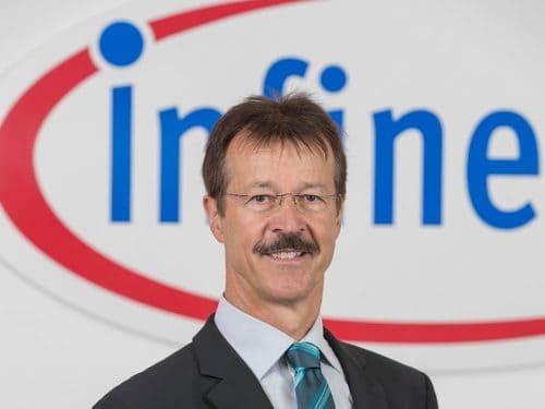 Dr. Erwin Hammerl, Chef von Infineon Regensburg, über die USA, seinen Job und die Fliegerei