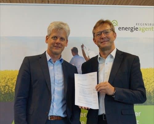 Eckert Schulen Regenstauf verlängern Kooperation mit Energieagentur Regensburg