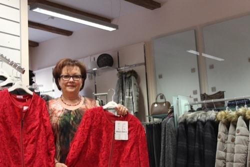 Wenn Dame gut gekleidet sein will, dann muss sie zu Mode & mehr nach Regensburg