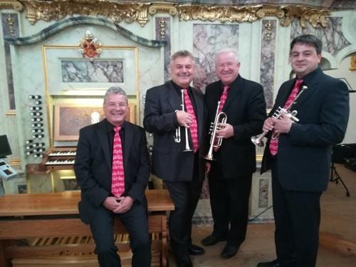 """Das Ensemble """"Tromba a tre"""" musiziert in der Alten Kapelle in Regensburg"""