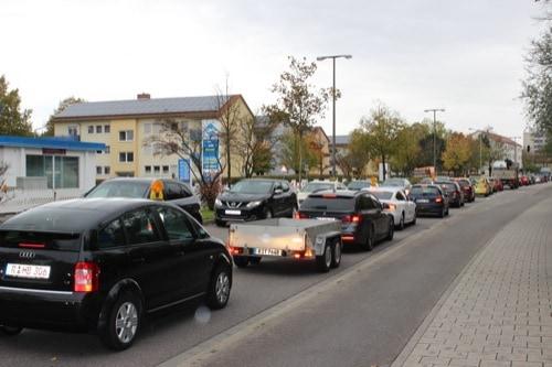 Stoßstange an Stoßstange: Verkehr im Regensburger Stadtosten ächzt unter einer Baustelle