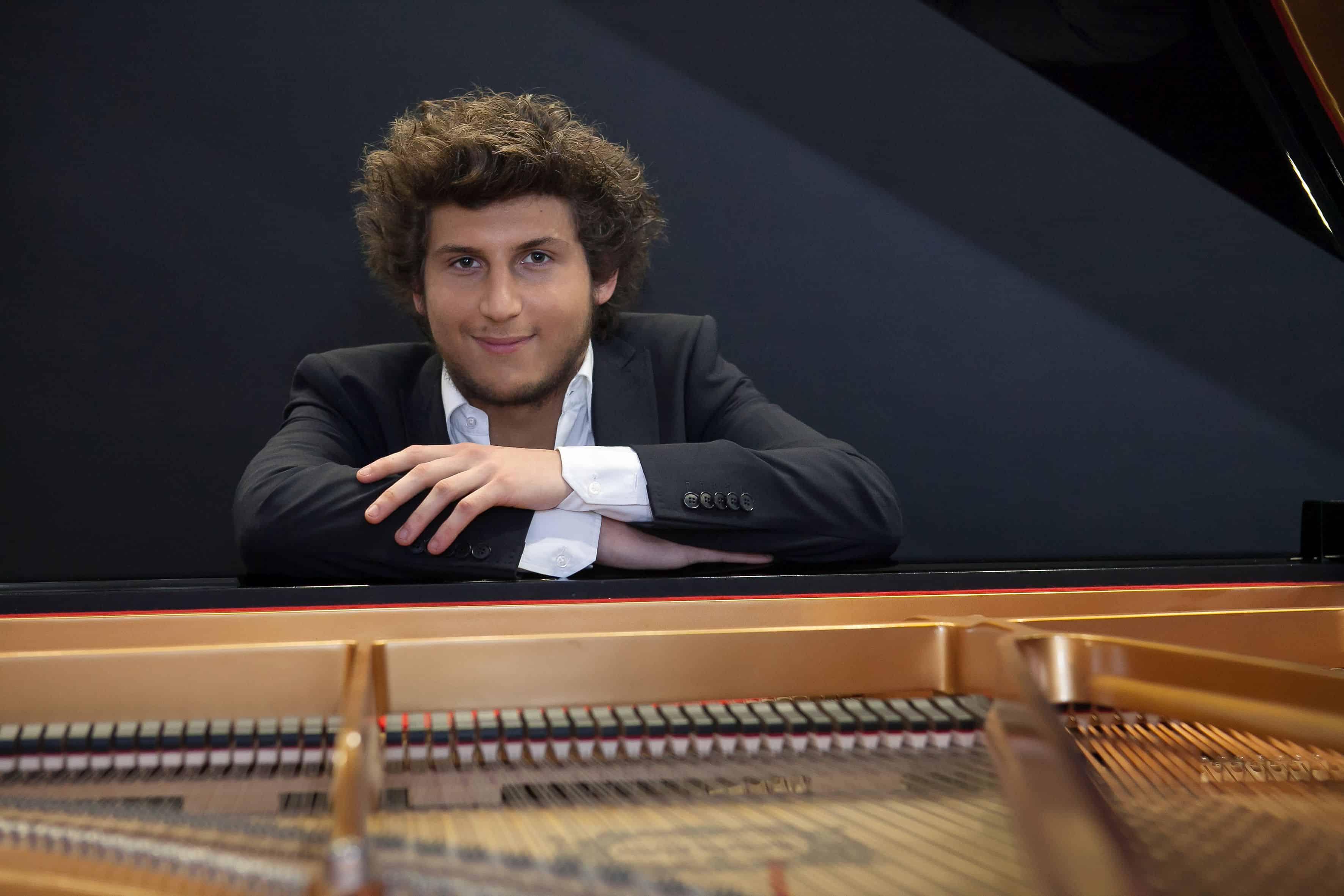 Starpianist Christen spielt für Zweites Leben