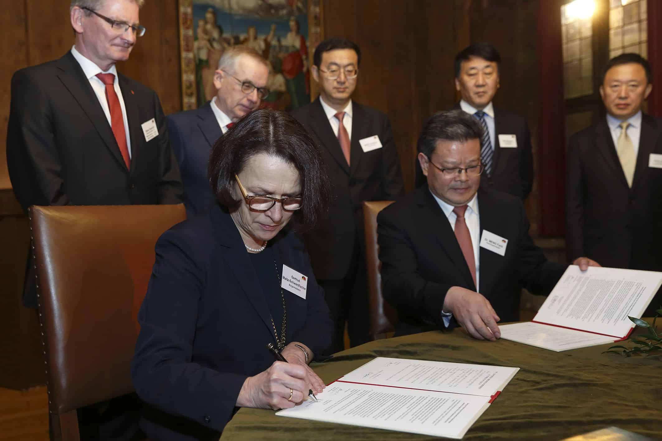 Oberbürgermeister der Partnerstadt Qingdao zu Besuch in Regensburg