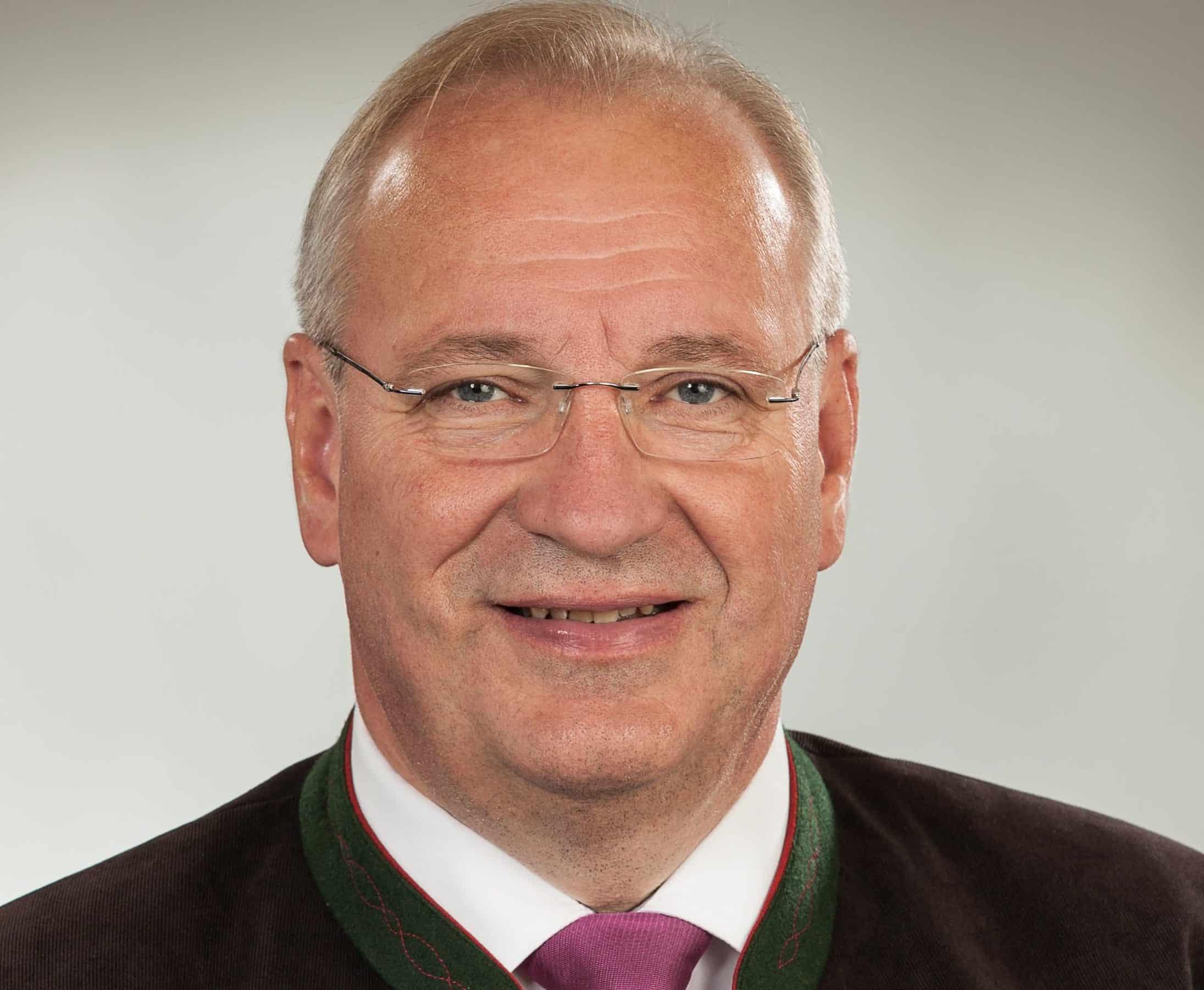 Bezirkstagspräsidenten Franz Löffler sendet Neujahrsgrüße