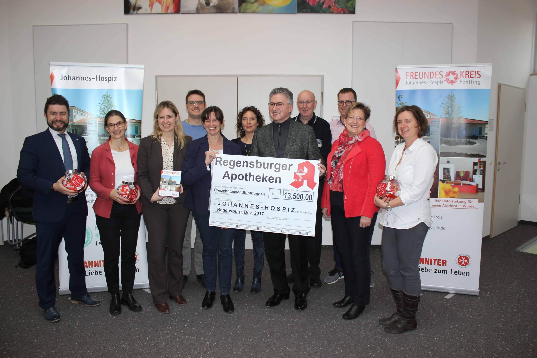 13.500 Euro: Apotheker spenden an Johannes-Hospiz