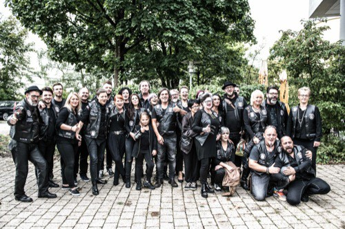Hilfe für Bedürftige: Barber Angels Brotherhood schneiden in Regensburg kostenlos die Haare