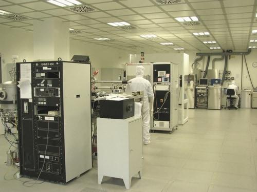 Neuer Reinraum und neues Tieftemperaturlabor an der Universität Regensburg