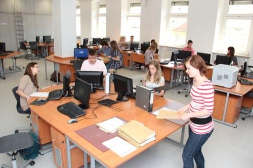 Mit den Privaten Schulen Breitschaft in Regensburg in eine erfolgreiche Zukunft