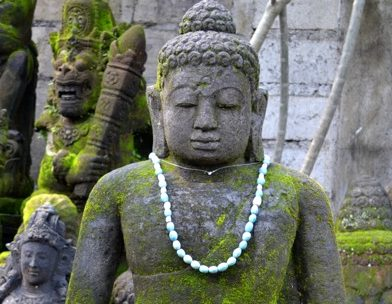 Buddhafiguren haben Gartenzwerg abgelöst