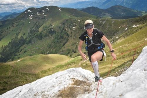 Holly Zimmermann auf dem Mount Everest: Extrem-Sportlerin aus Alteglofsheim startet beim höchstgelegenen Marathon der Welt