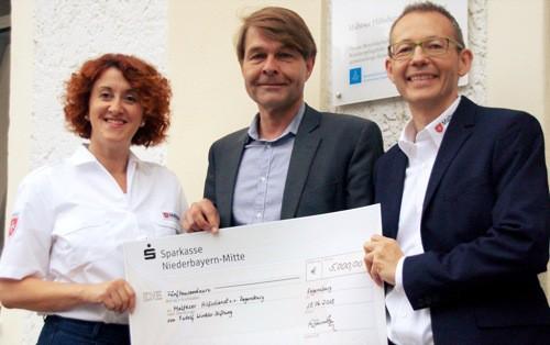 Regensburg: Rudolf-Winkler-Stiftung spendet 5.000 Euro für Malteser Mahlzeiten-Patenschaften