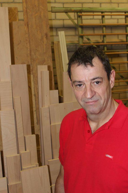 Holz perfekt nach Maß zugeschnitten