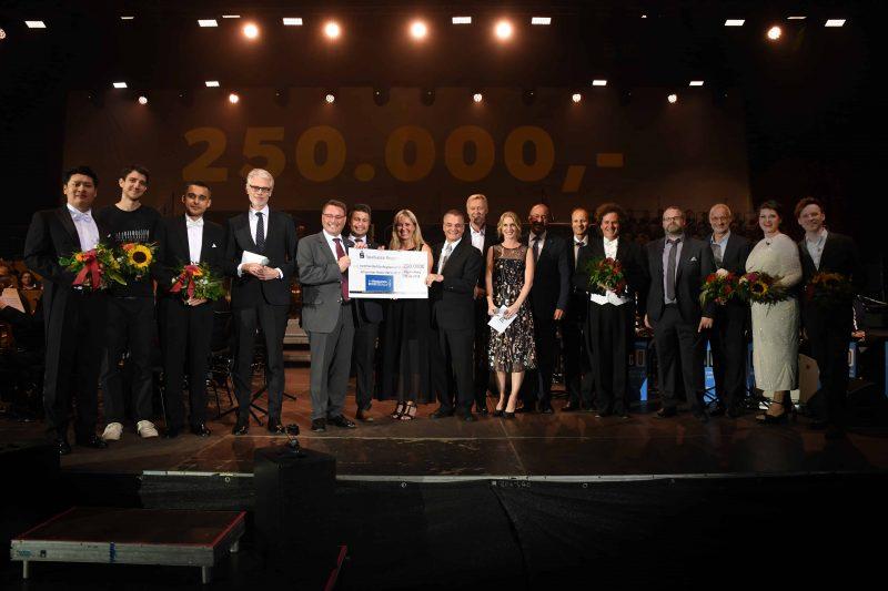 Benefiz-Gala des Mittelbayerischen Verlages ein großer Erfolg