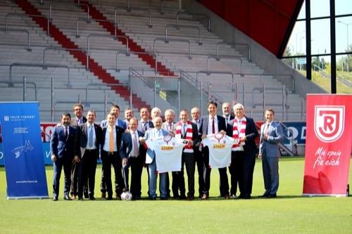 """Telis Finanz AG wird Hauptförderer von """"Jahn Sozial: Brücken für Regensburg"""""""