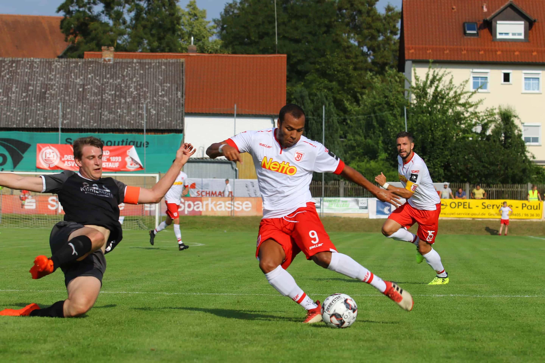 Jahn Regensburg startet mit Kantersiegen