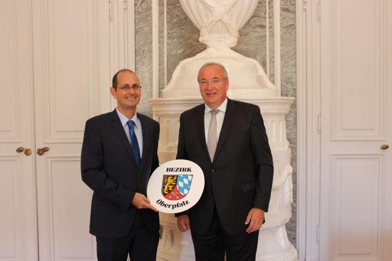 Löffler besucht deutschen Botschafter in Prag