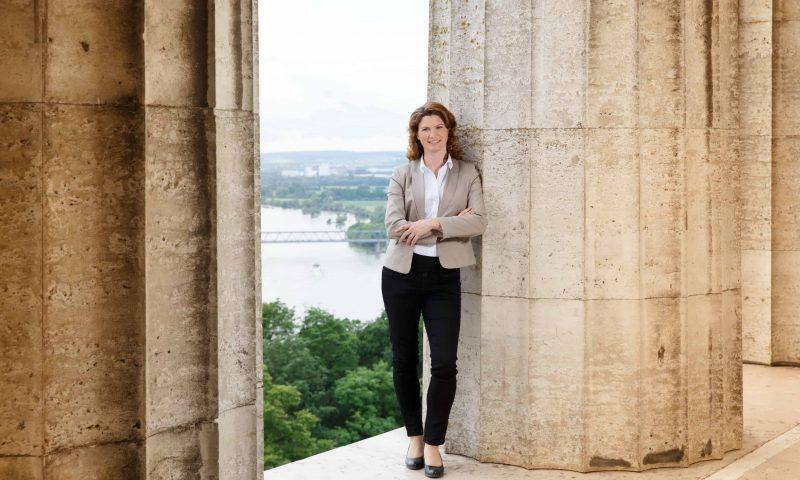 Starke Frau an der Spitze des Landkreises Regensburg: Landrätin Tanja Schweiger im großen Blizz-Interview