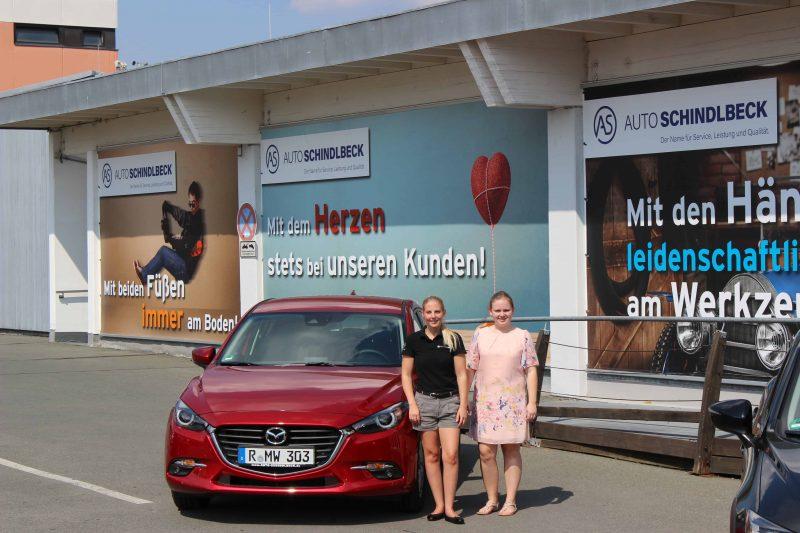 Autokauf in Shopping-Atmosphäre bei Auto Schindlbeck im DEZ