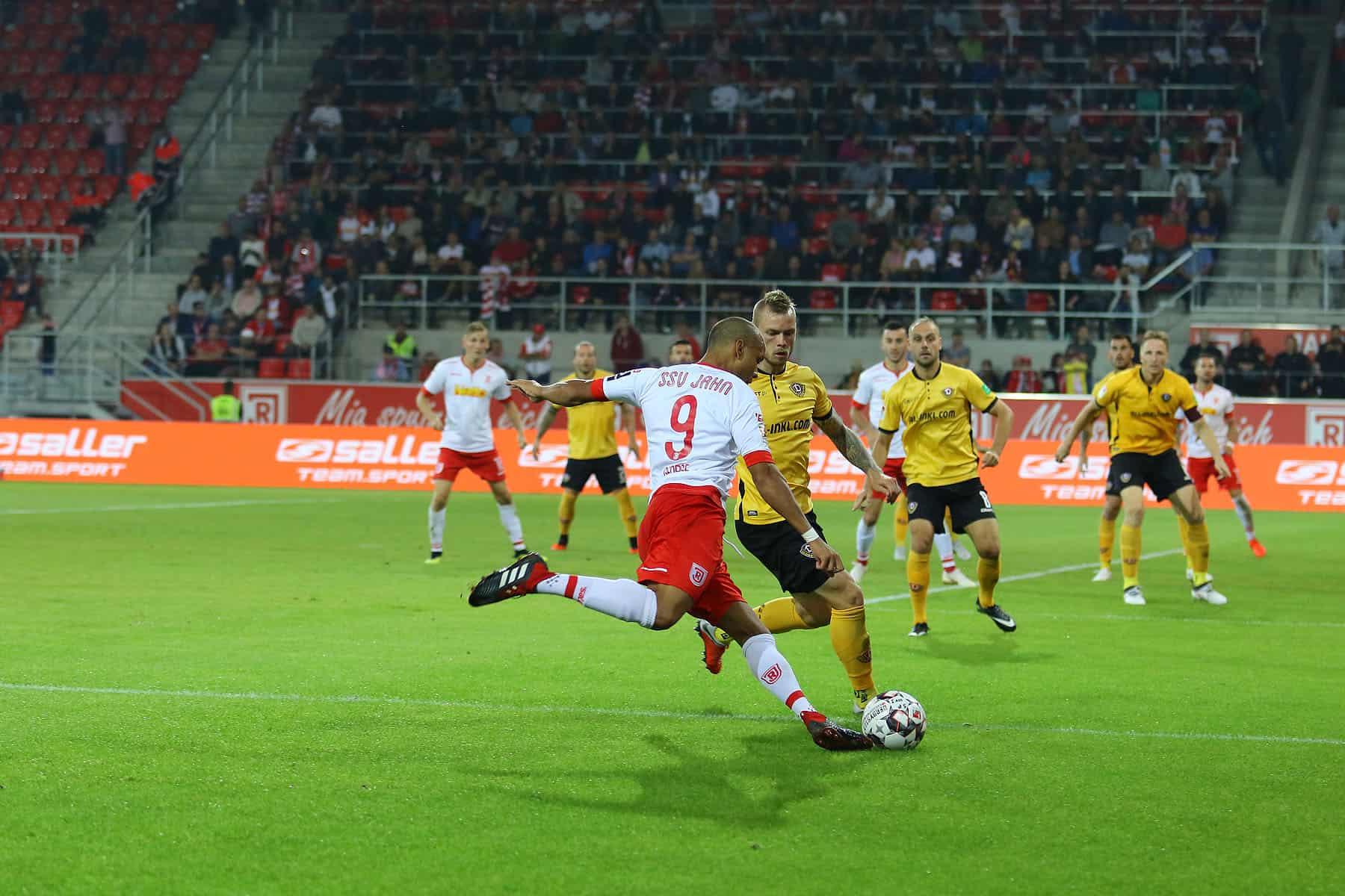 Der SSV Jahn Regensburg gastiert am Sonntag beim Hamburger SV
