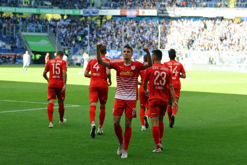 Spitzenspiel in der 2. Fußball-Bundesliga: SSV Jahn Regensburg gastiert bei der SpVgg Greuther Fürth