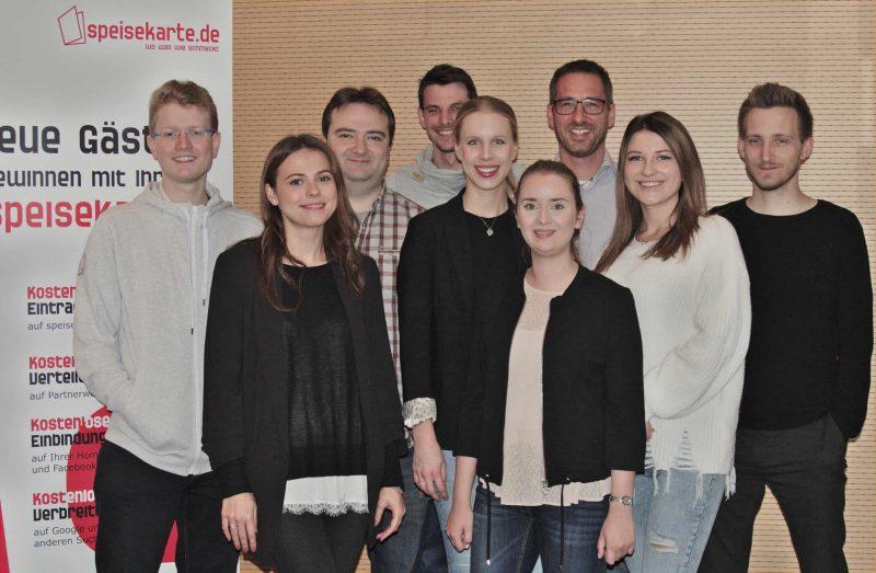 Knacker, Schweinsbratwürstchen und Regensburger Radi Speisekarte.de: Food & Web kreativ vereint