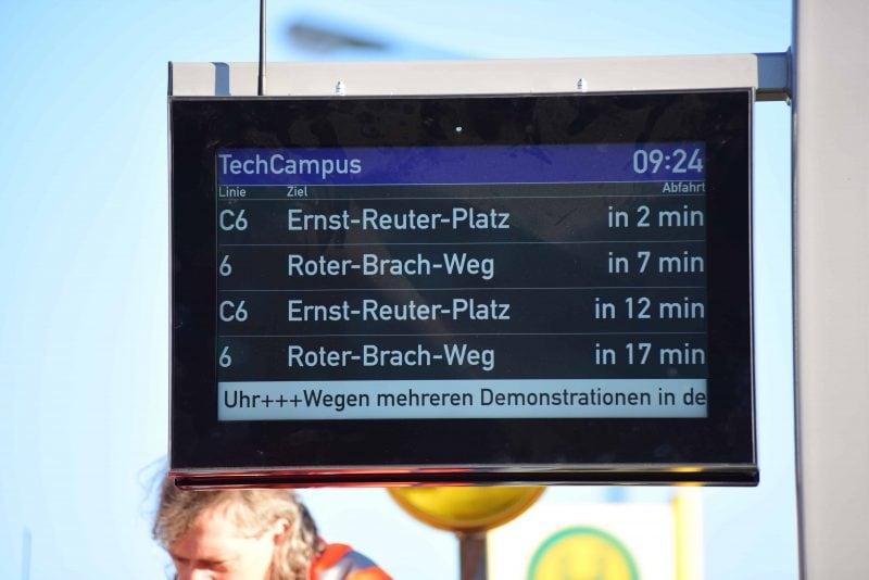 RVV installiert zehn neue dynamische Fahrgastanzeiger