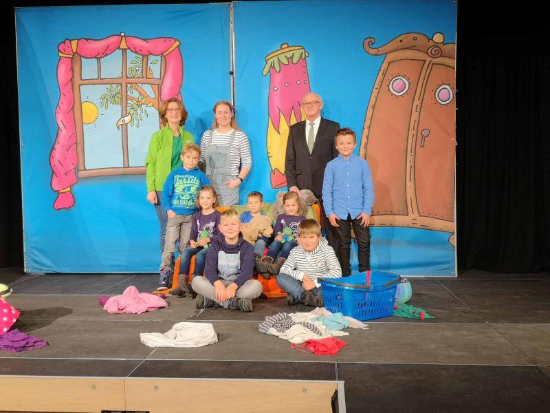 """""""Henriettas Reise ins Weltall"""" AOK auf Präventions-Tour: Regeln und Rituale in Schule und Familie"""