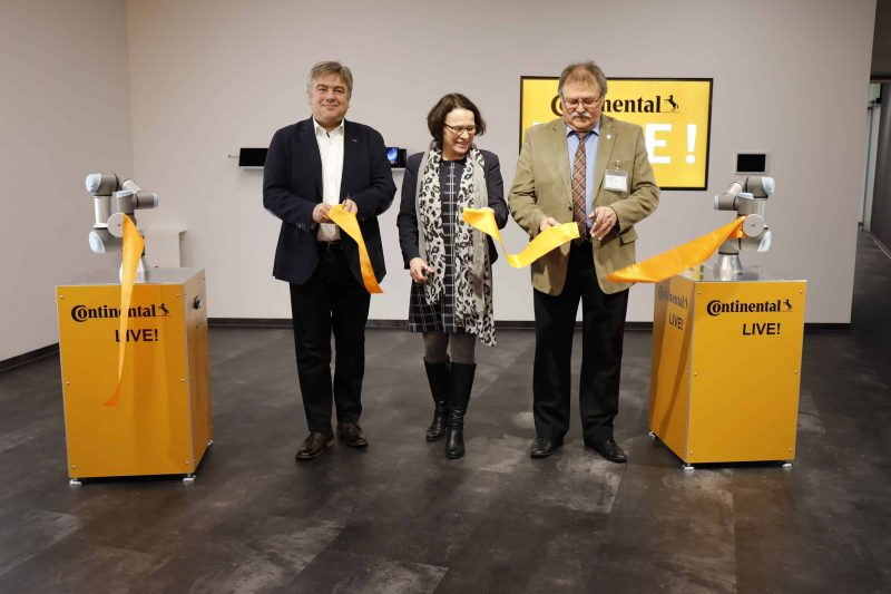 """Automobilzulieferer eröffnet neues Besucherzentrum in Regensburg """"Continental LIVE!"""" führt in  die Hightech-Welt des Unternehmens – virtuell und real"""