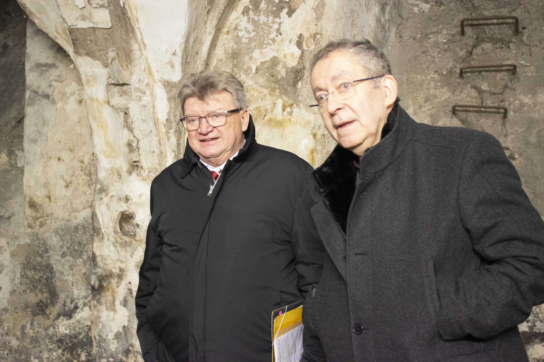 Brauerei Bischofshof investiert sechs Millionen Euro 1.000 Jahre altes Domherrenhaus wird neues Hoteljuwel in Regensburger Altstadt