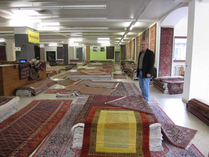 Edle Stücke zu fairen Preisen MMM Orientteppiche jetzt in Zeitlarn auf etwa 1.000 Quadratmetern