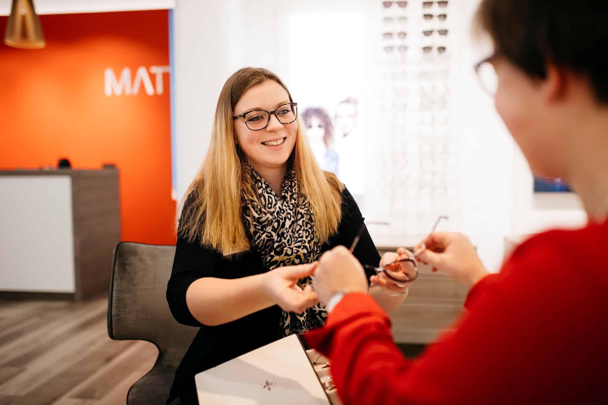 Höchstes Kundenvertrauen Regensburger Familienunternehmen MATT Optik auf Platz 1