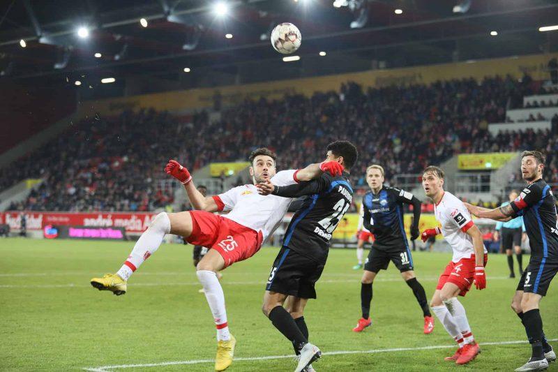 Perfekter Start ins neue Jahr Jahn Regensburg besiegt SC Paderborn mit 2:0