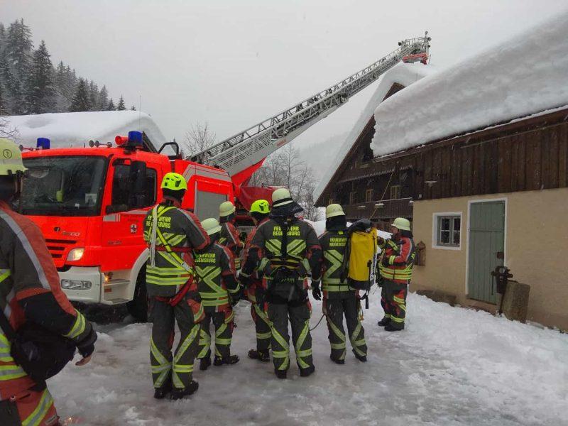 Schneechaos in den Alpen Oberpfälzer Einsatzkräfte unterstützen ihre Kollegen in Oberbayern