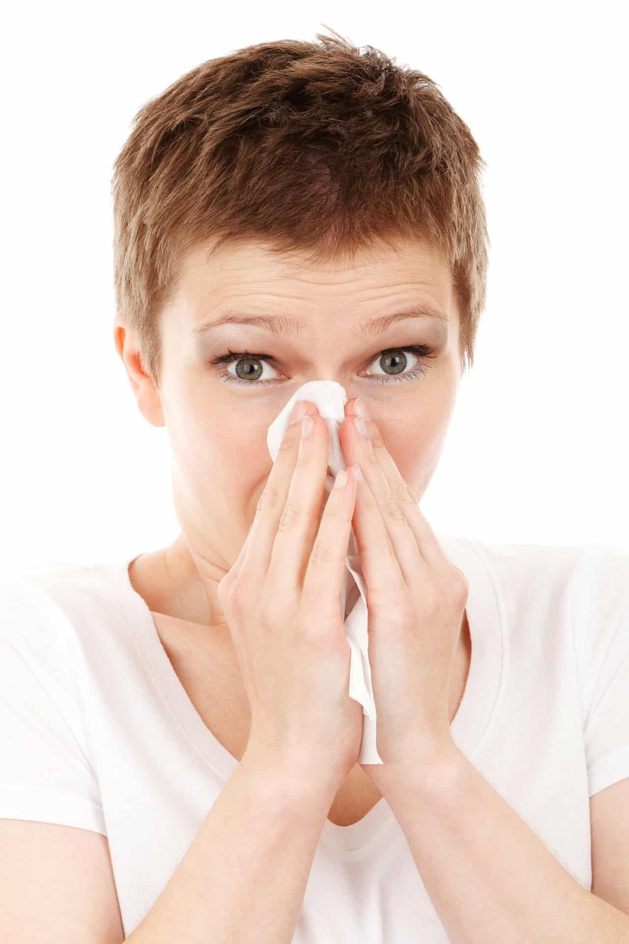 Albtraum für Allergiker beenden Dank der Hilfe der HNO Praxis im Donau-Einkaufszentrum Frühling genießen