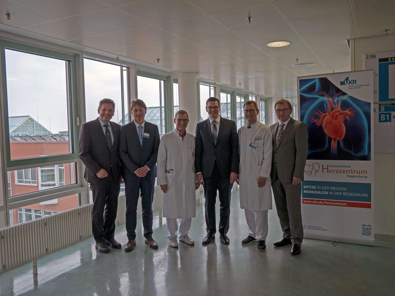 Herzerkrankungen im Fokus Universitätsklinikum baut Kooperation mit Klinikum St. Marien Amberg aus