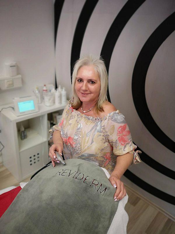 """Kosmetikstudio """"Auszeit"""", das von Reviderm zertifizierte Fachinstitut in Neutraubling Schöne Haut dank Micro-Needling"""